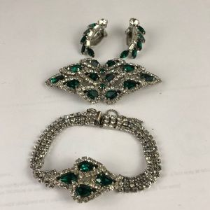 Stunning vintage emerald green set